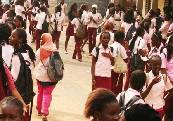Afrique du Sud : Une municipalité offre des bourses à des filles studieuses et…vierges, les ''droits de l'hommistes'' très remontés