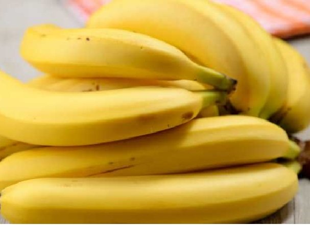 Stratégie payante : Un voleur forcé d'avaler 40 bananes restitue par le bas le bijou qu'il avait avalé