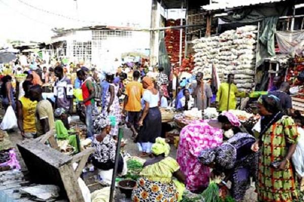 Très remontés contre leur maire, des commerçants du marché Hlm envisagent un plan d'actions