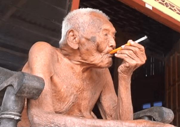 Impressionnant !  Le doyen de l'humanité est Indonésien, il a 140 ans