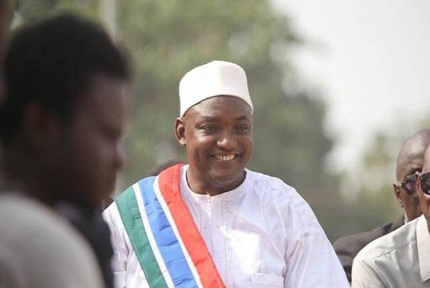 Trophée Babacar Ndiaye 2019 d'Africa Road Builders : le président gambien, Adama Barrow, distingué du Super Prix Grand bâtisseur