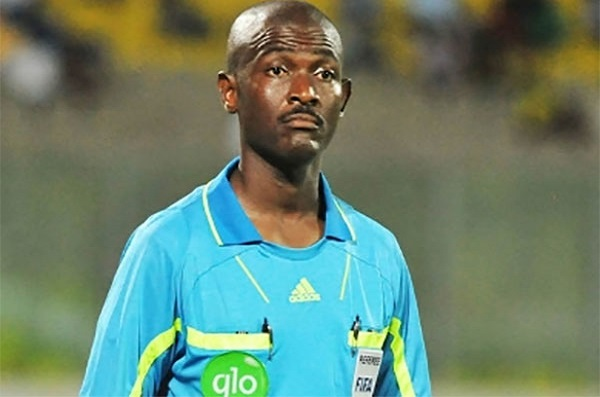 Football  Joseph Odartei Lamptey, l'arbitre ghanéen qui avait fait honte à sa patrie, banni à vie par la FIFA