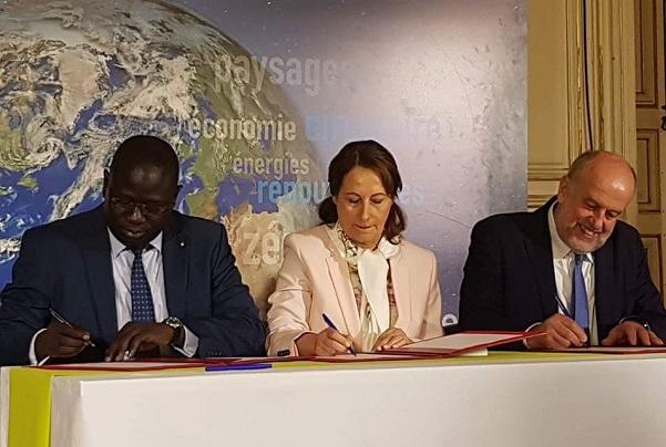 Mise en oeuvre de la COP21 : Signature de l'accord de coopération entre les agences de maîtrise de l'énergie du Sénégal et de la France