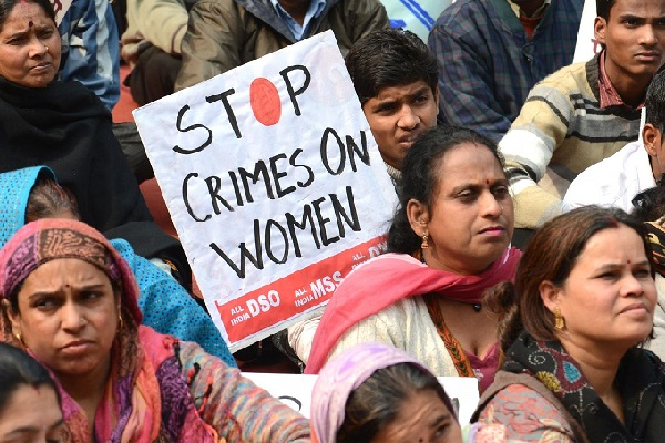 Inde Une femme violée, puis battue à mort à coups de briques pour avoir menacé de dénoncer ses agresseurs