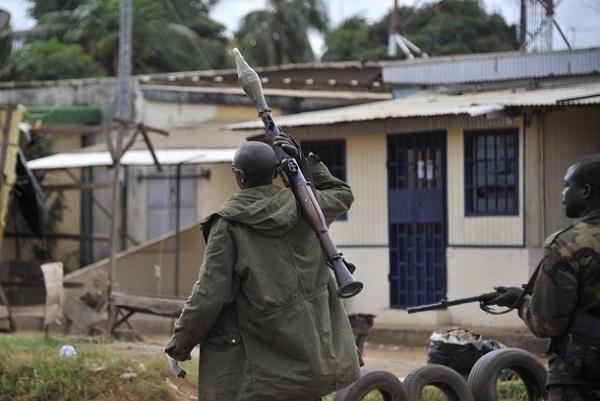 Neuf mineurs illégaux du Lesotho assassinés en Afrique du Sud : la police à la poursuite d'une centaine de suspects