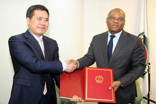 Coopération : La CEDEAO et la Chine signent  un accord pour la construction du nouveau quartier général de la commission ouest africaine