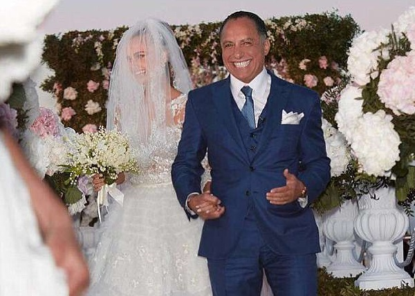 L'amour n'a pas d'âge : une femme mannequin de 28 ans attend un enfant de son mari milliardaire âgée de 65 ans