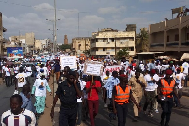Période préélectorale sénégalaise: Mouvement «Arc-en-ciel» préoccupé par « l'état très abimé de la démocratie »