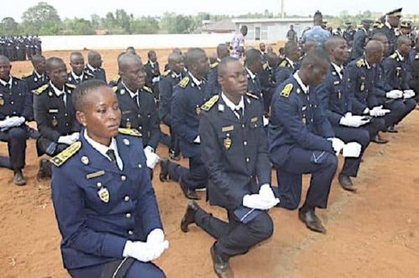 Togo : 255 nouveaux commissaires et officiers intègrent les rangs de la Police Nationale