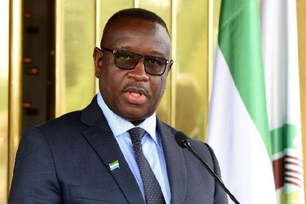 Sierra Leone : le président Julius Maada Bio honore les fils valeureux du pays