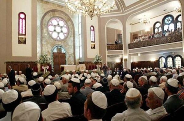 Fusillade dans synagogue : un jeune américain- antisémite et islamophobe- tue une dame et blesse trois autres personnes