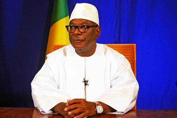 Mali: le président IBK tente de faire baisser la tension et annonce une «dissolution de fait» de la Cour constitutionnelle