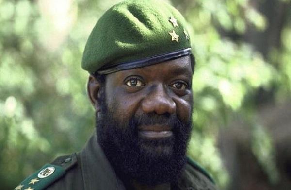 Angola: l'ancien chef de l'Unita, Jonas Savimbi, inhumé hier, soit 17 ans après sa mort