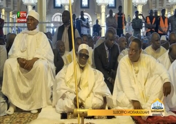Inauguration de la Grande Mosquée Massalikoul Djinane : un moment aussi de retrouvaille en Abdoulaye Wade et Macky Sall