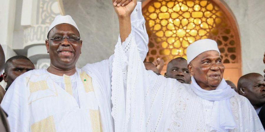 Sénégal l'opportuniste politique, je retourne ma veste, toujours du bon côté