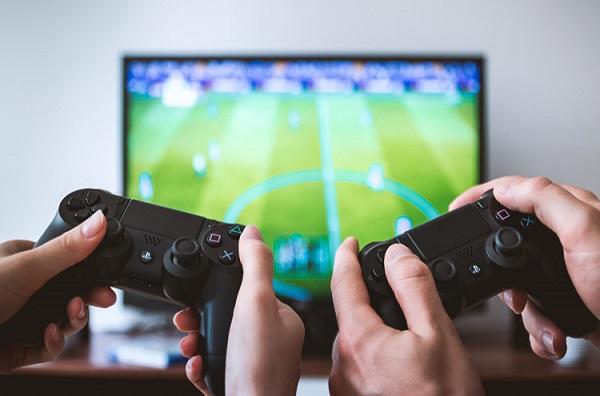 Étude sur les usages et attentes des jeux vidéo : les questions du genre, de la connectivité, et du « mobile money » parmi les préoccupations à Dakar et Abidjan