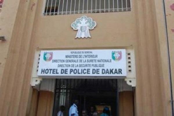 Les vibrations aux grilles du Palais secouent le commissariat de Dakar : Mamadou Ndour remplacé par El Hadj Cheikh Dramé le commissaire de l'aéroport de Diass