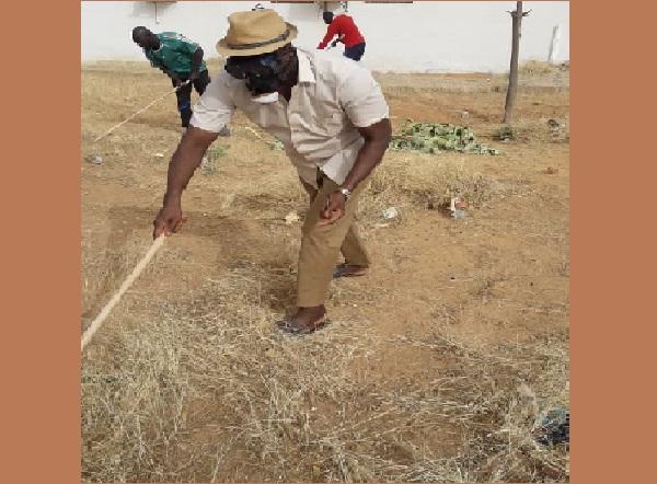 Sénégal Propre : Mberry Sylla, le Président du conseil départemental de Louga  était aussi à l'œuvre