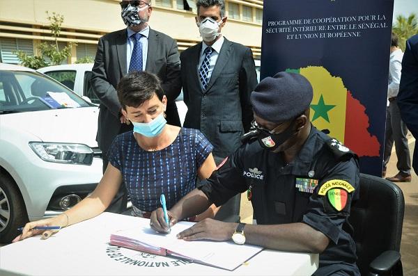 Coopération pour la sécurité intérieure : l'UE offre 26 véhicules à la Direction de la police judiciaire (DPJ) et à la Direction de la police de l'air et des frontières (DPAF)