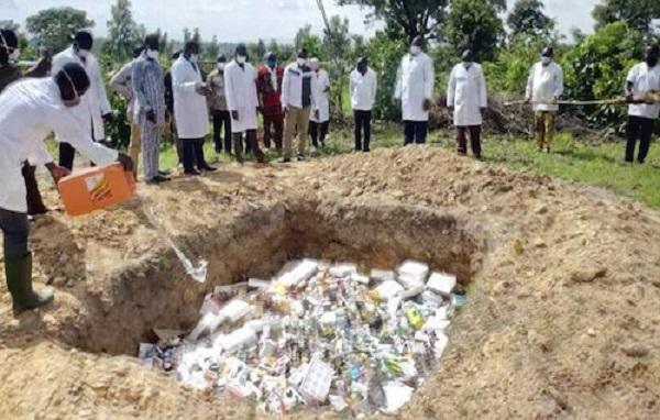 Togo : plus de 3 tonnes de faux-médicaments vétérinaires détruits à Kara