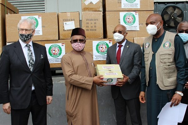 Réponse à la Covid-19 : la CEDEAO remet du matériel médical essentiel au Nigeria