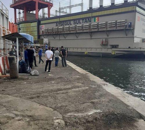 Alerte danger :  Karpowership « gaze » nos eaux depuis 10 mois