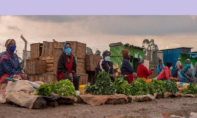 Alerte de la Banque mondiale : la COVID-19 et ses impacts économiques risquent de faire basculer dans l'extrême pauvreté plus de 71 millions de personnes.