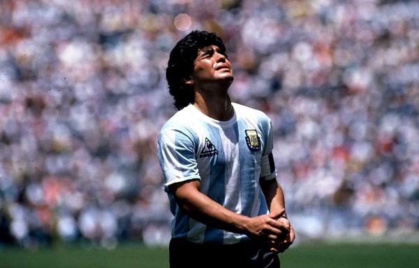 Décès de Diego Maradona : de la révélation à la mort d'une légende