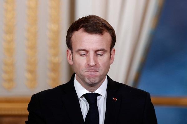 A Monsieur Emmanuel Macron  (Boubacar    Sadio  Commissaire divisionnaire de police)