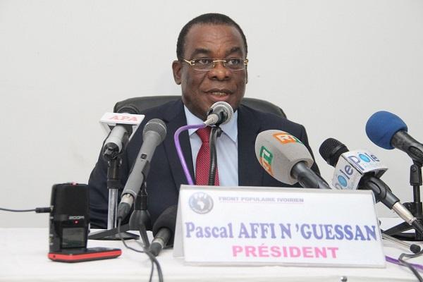 Présidentielle ivoirienne: l'opposition déplore des morts et dénonce une «parodie» d'élection