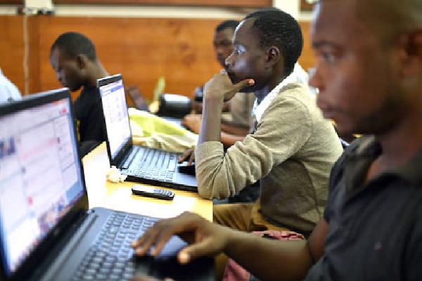 15 ans après le Sommet mondial sur la société de l'information : où en est l'Afrique dans sa transformation numérique ?
