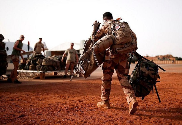 Analyse : La France va transformer son opération militaire au Sahel (Par Paul Ejime)